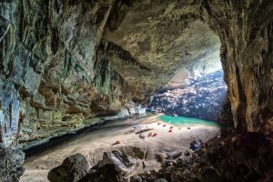 Phong Nha Mağaraları